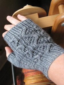 Kelpie Mitts by Stephanie Tallent
