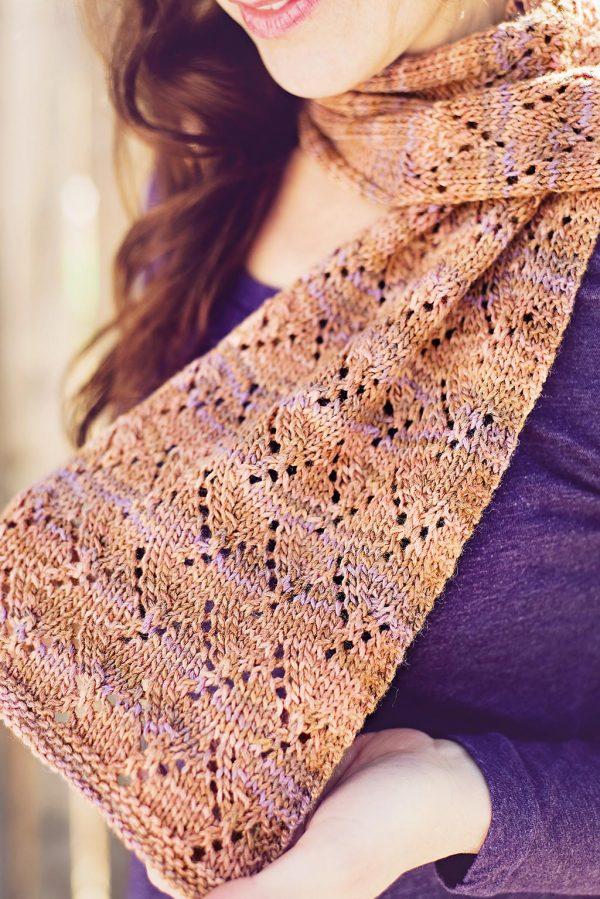 menat scarf detail