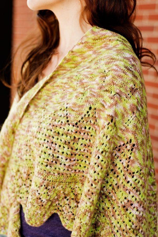 majka shawl detail view