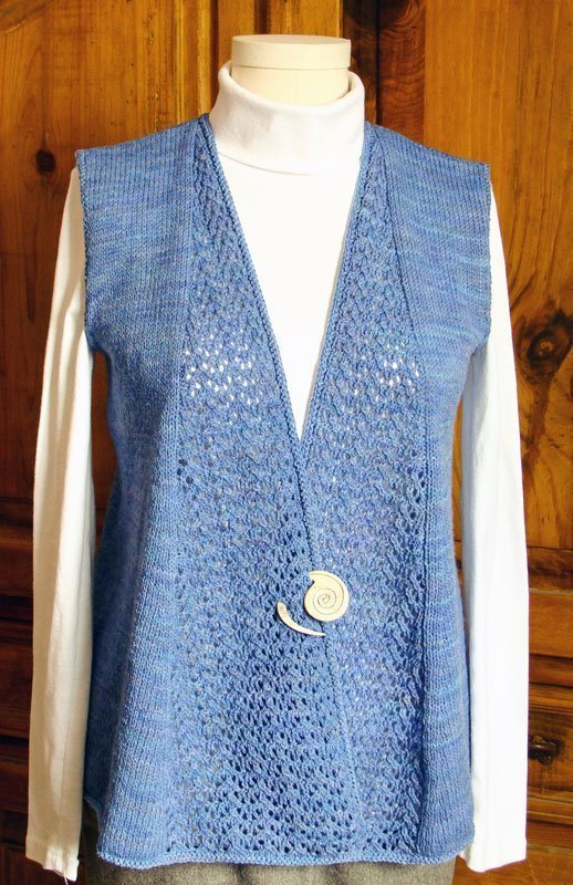 swing lace vest with pin