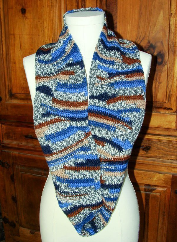Crocheted Cowl - Regia