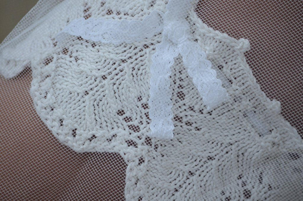 Lace Leaf Wedding Garter close-up